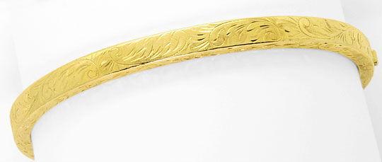 Foto 1, Gold Armreif Alt mit schönen Floralen Gravuren Gelbgold, K2567