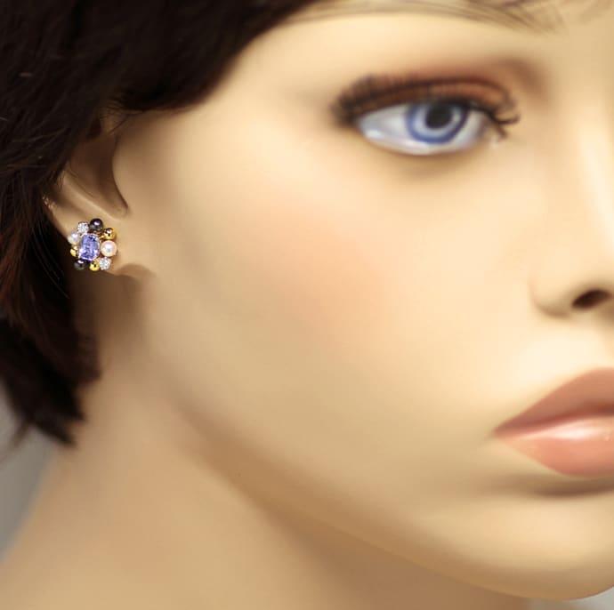 Foto 2, Ohrstecker mit Tansaniten Perlen und Brillanten in Gold, Q0200