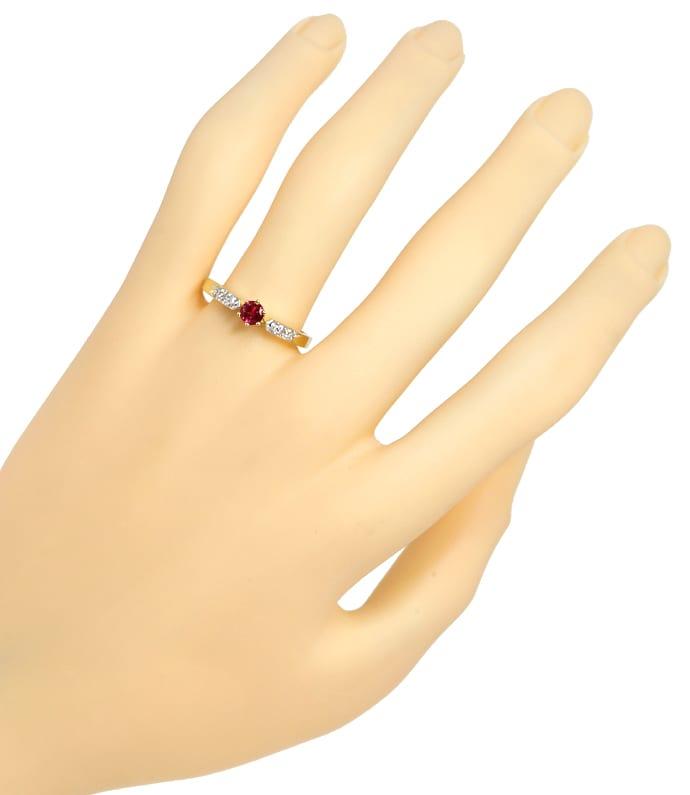 Foto 4, Gold Ring mit 0,33ct Rubin und in der Schiene Diamanten, Q0241