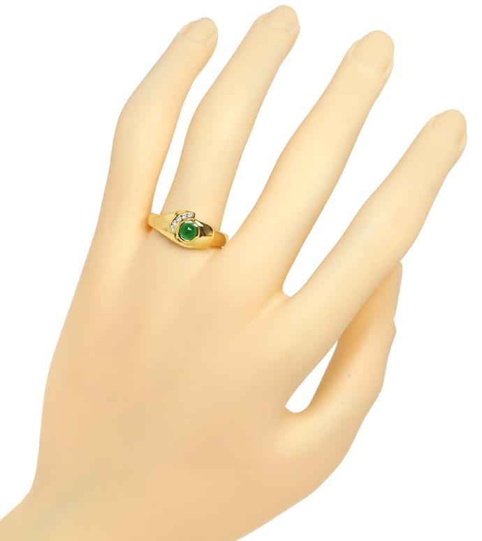 Foto 4, Gelbgoldring mit Brillanten und 0,40ct Smaragd Cabochon, Q0255