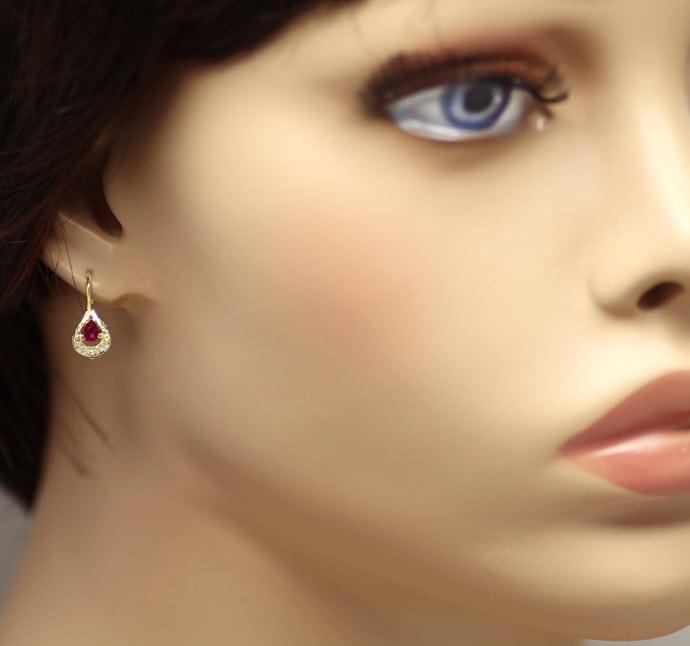 Foto 2, Tropfen Ohrringe mit Spitzen Rubinen und Diamanten Gold, Q0547