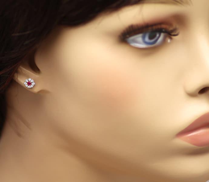 Foto 2, Diamantohrstecker Spitzen Rubine und Brillanten in Gold, Q0548