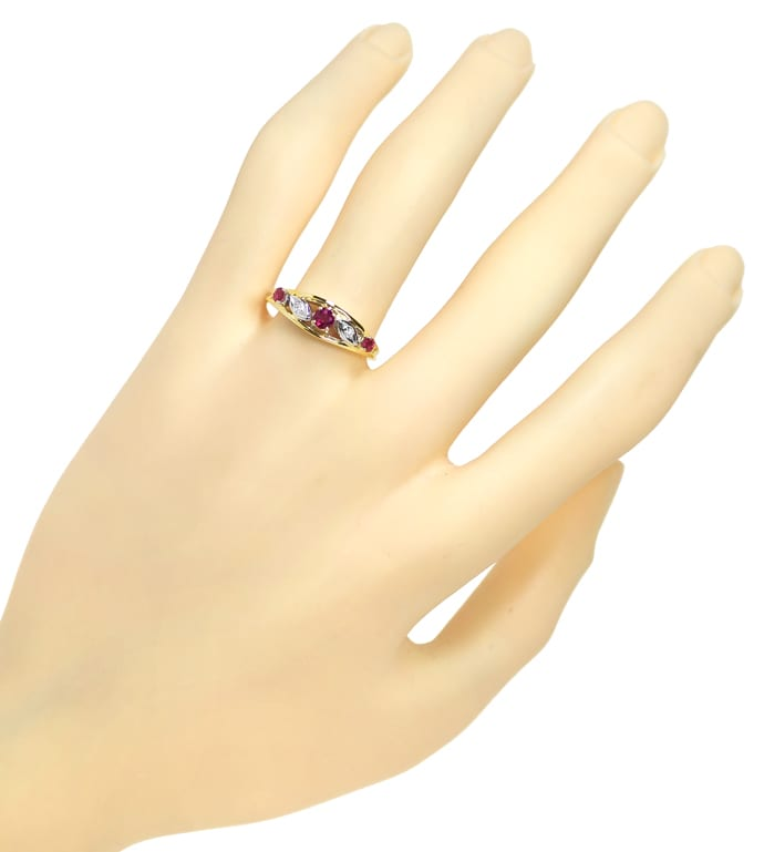 Foto 4, Diamantring 0,33ct Spitzen Rubine und Diamanten in Gold, Q1419