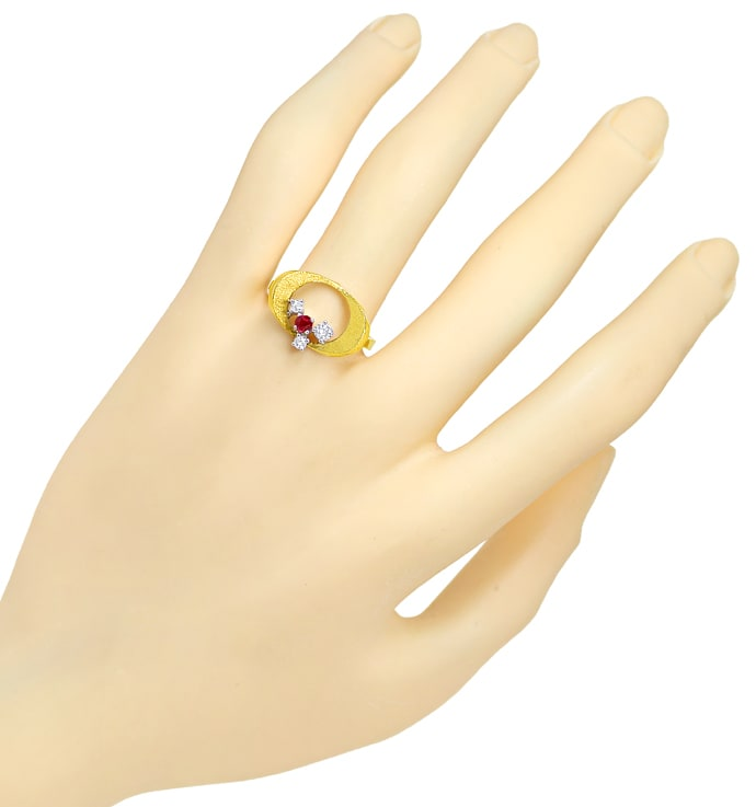 Foto 4 - Design Diamantring mit Rubin und Brillanten in 14K Gold, Q1463