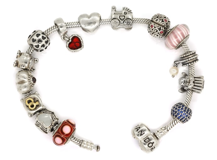 Foto 1 - Pandora Armband mit 14 Charms in Sterling Silber, Q2204