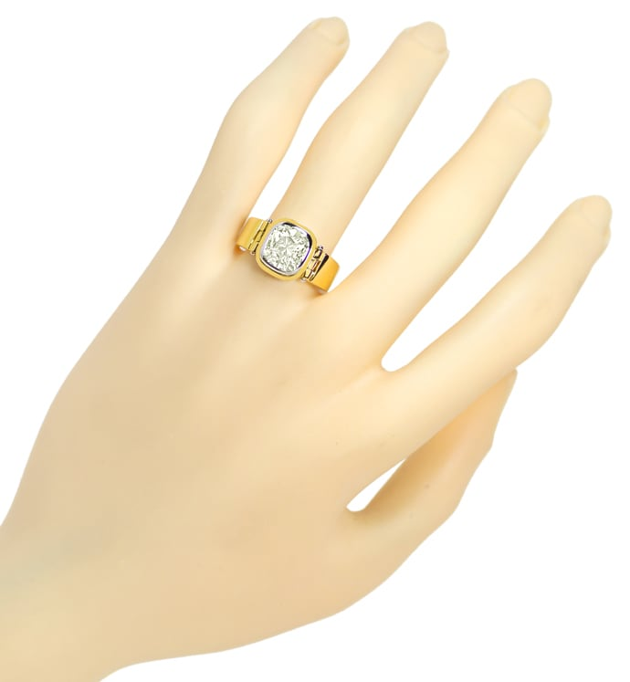Foto 4, Diamant 2,08ct Cushion in Design Ring in Handarbeit 18K, R6433
