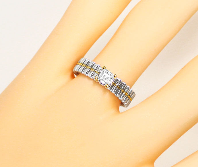 Foto 5, Designer Ring mit 0,36 ct Diamant Carree in 18K Bicolor, R7389