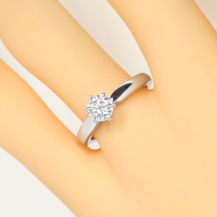 Foto 5, Brillant 0,71ct Lupenrein Top Wesselton in Weißgoldring, R7565
