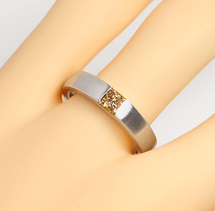 Foto 5, Diamant Ring 0,54ct Princess Diamant IGI, 18K Weissgold, R7852