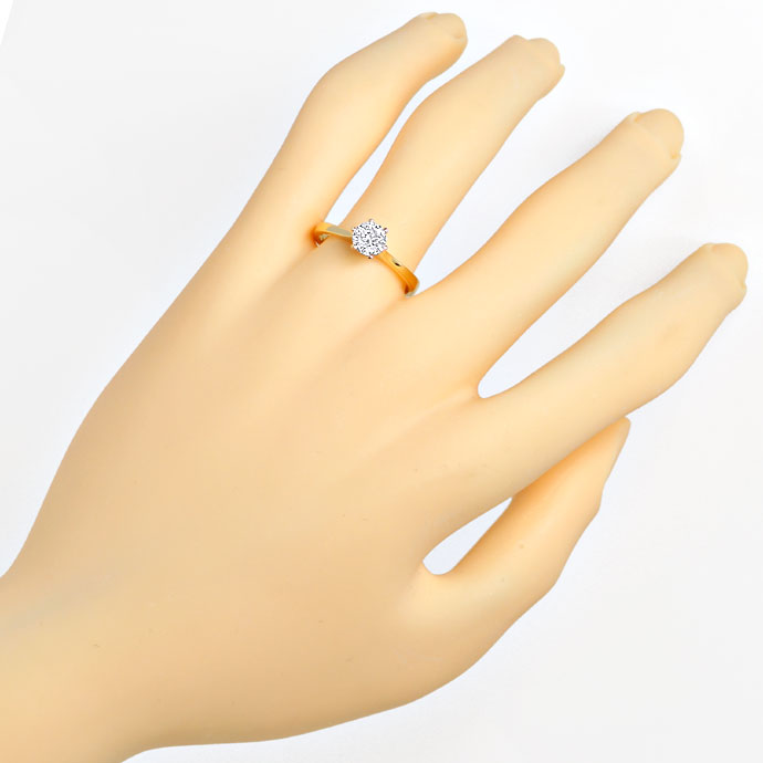 Foto 4, Diamantring mit 0,58ct Top Wesselton Brillant, 18K Gold, R7869