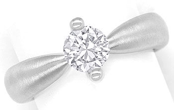 Foto 1, Diamantring mit 0,78ct Brillant Solitär in 18K Weißgold, R8100