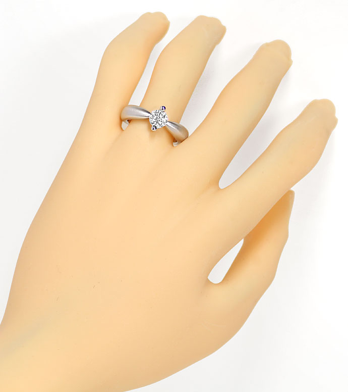 Foto 4, Diamantring mit 0,78ct Brillant Solitär in 18K Weißgold, R8100