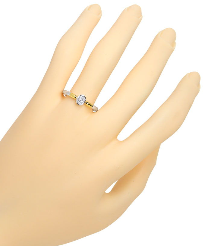 Foto 4, Ovaler Diamant 0,39ct tolles Feuer in Bicolor Gold Ring, R9065