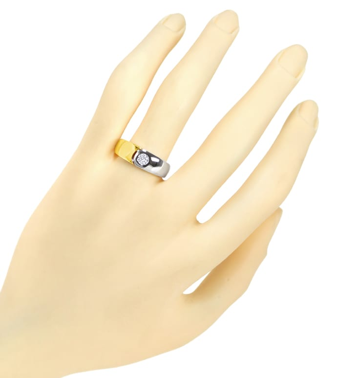 Foto 4 - Designer Bandring mit 0,23ct Brillant in 18K Bicolor Gold, S2058