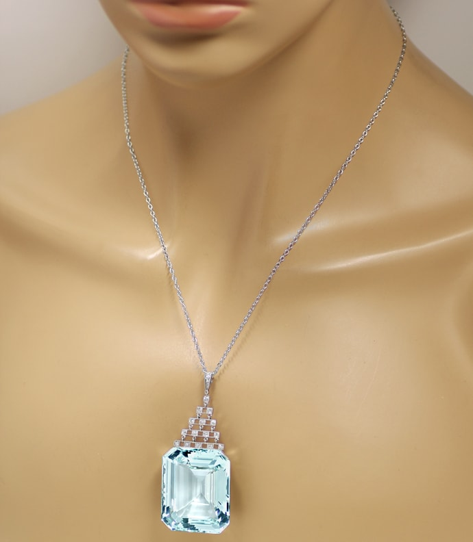 Foto 5, Antikes Collier sensationeller 147ct Aquamarin, S2175