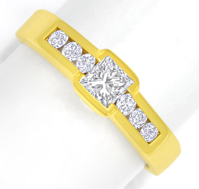 Foto 2, Eleganter Goldring mit Princess Diamant und Brillanten, S2249