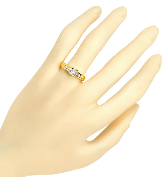 Foto 4, Eleganter Goldring mit Princess Diamant und Brillanten, S2249