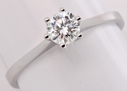 Foto 2, Brillant Diamantring 0,46ct Top Wesselton Plus VS1 18Kt, S2621
