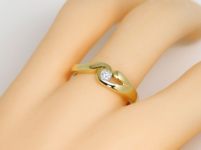 Foto 5, Solitaer Brillant Ring Elegant geschwungen 0,08ct River, S9052