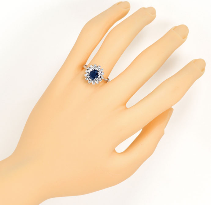 Foto 4, Eleganter Safir Diamant Ring Handarbeit in 18K Weißgold, S9197