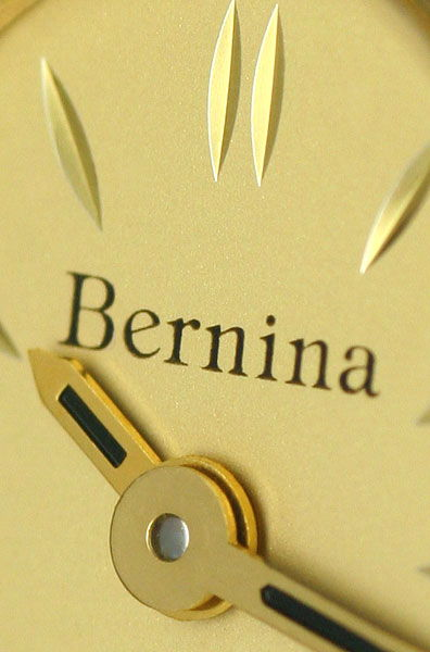 Foto 3, Bernina Damen-Armbanduhr 14K Gelbgold Diamantenluenette, U2321
